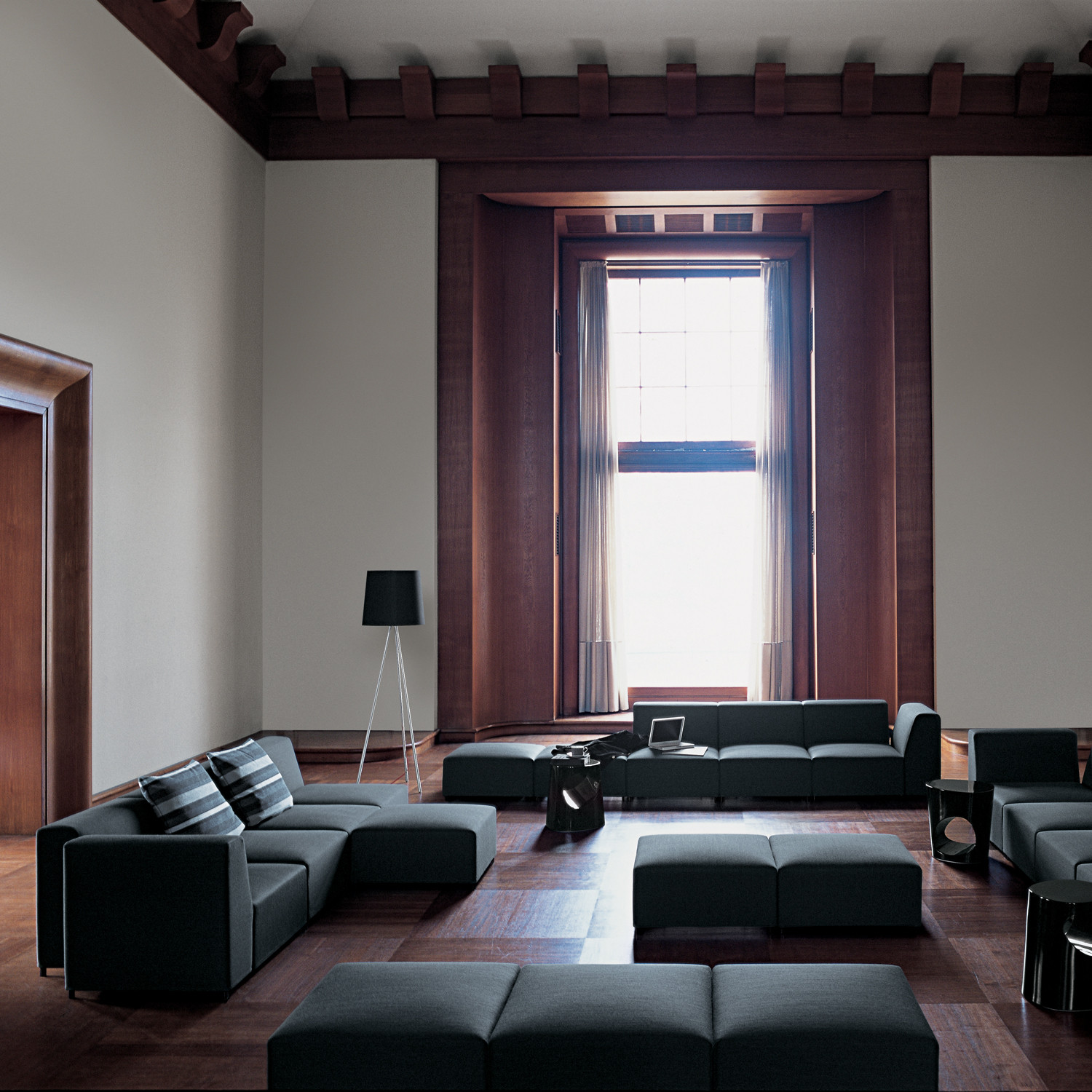 Quadro Sofa from Tacchini