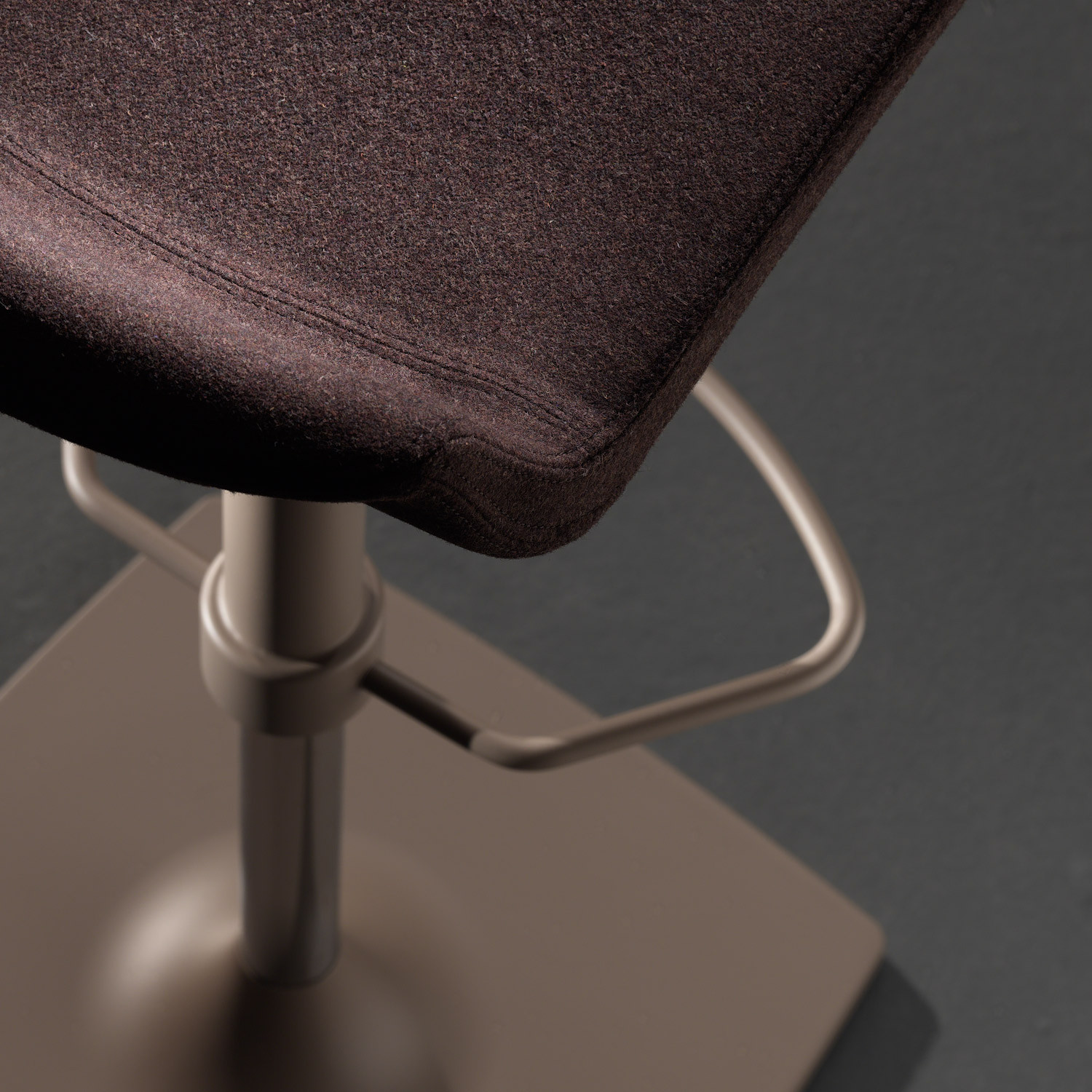 Quid.Sh.Up. Barstool Seat Upholstery