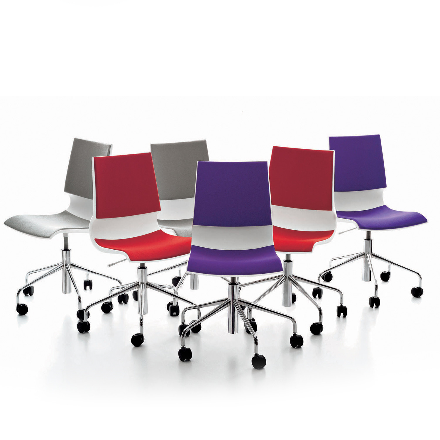 Ricciolina Chairs on Castors