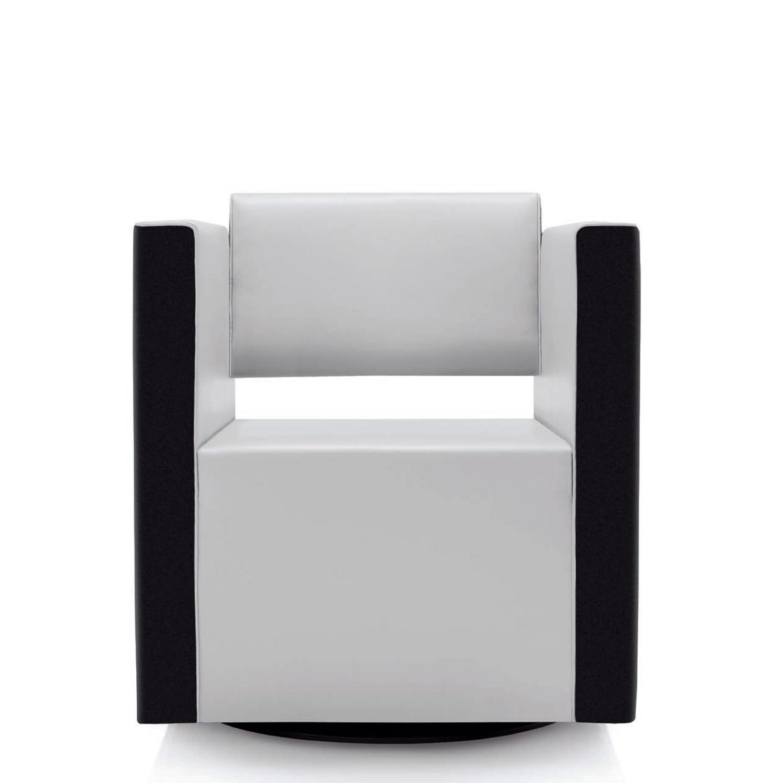Rilasso Giro Reception Armchair