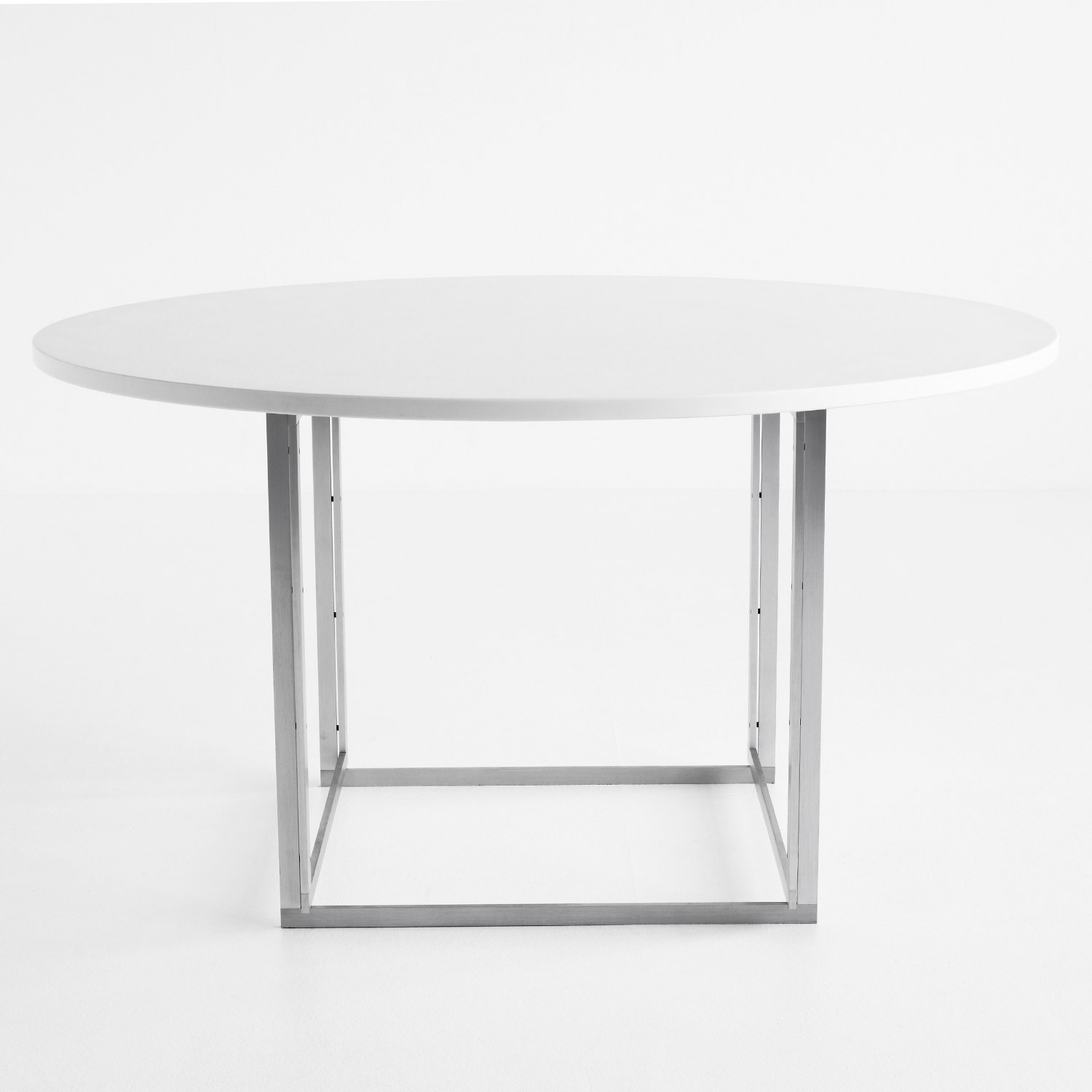 Circular PK54 Dining Table
