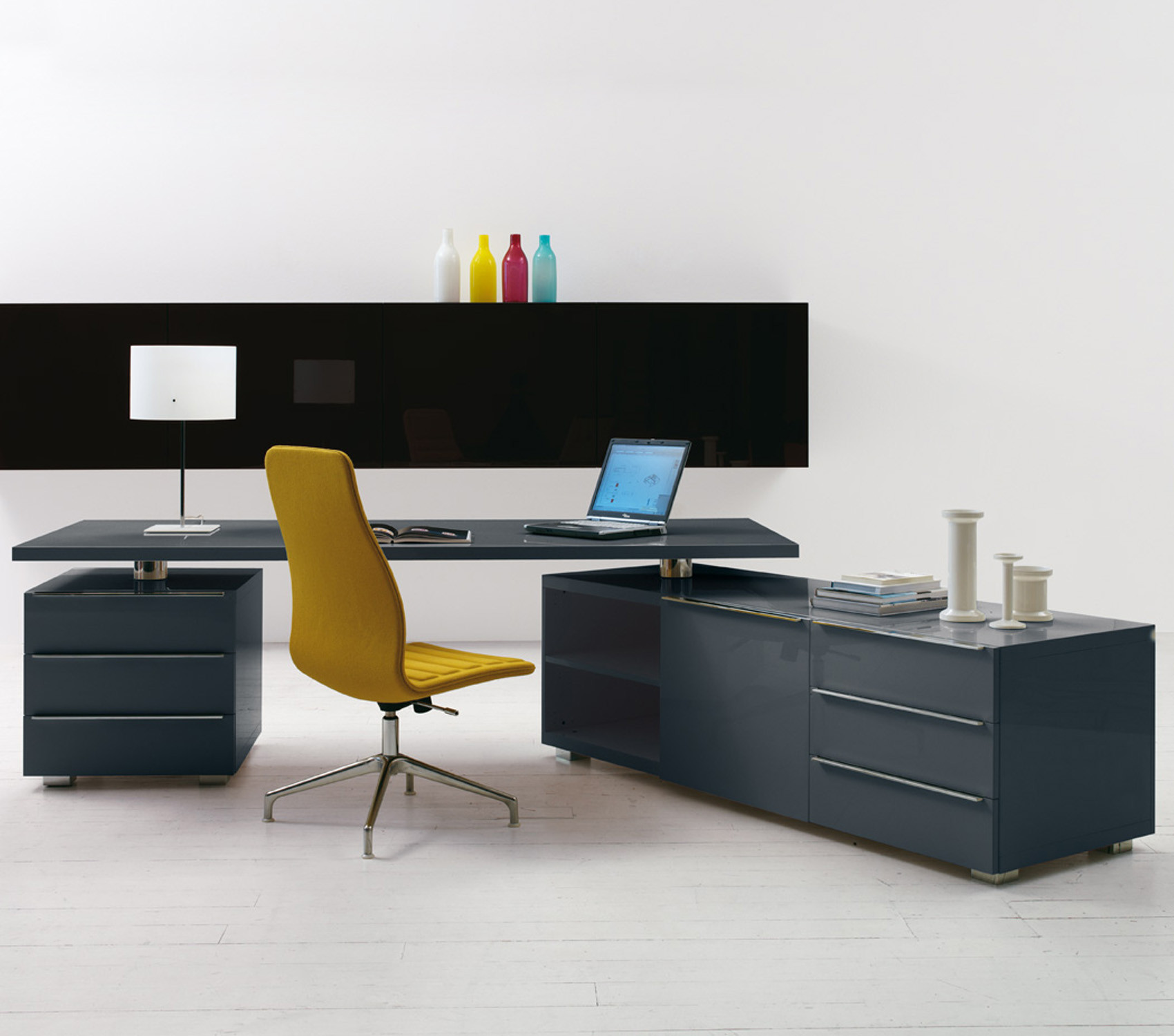 Cappellini's Senior Executive Furniture