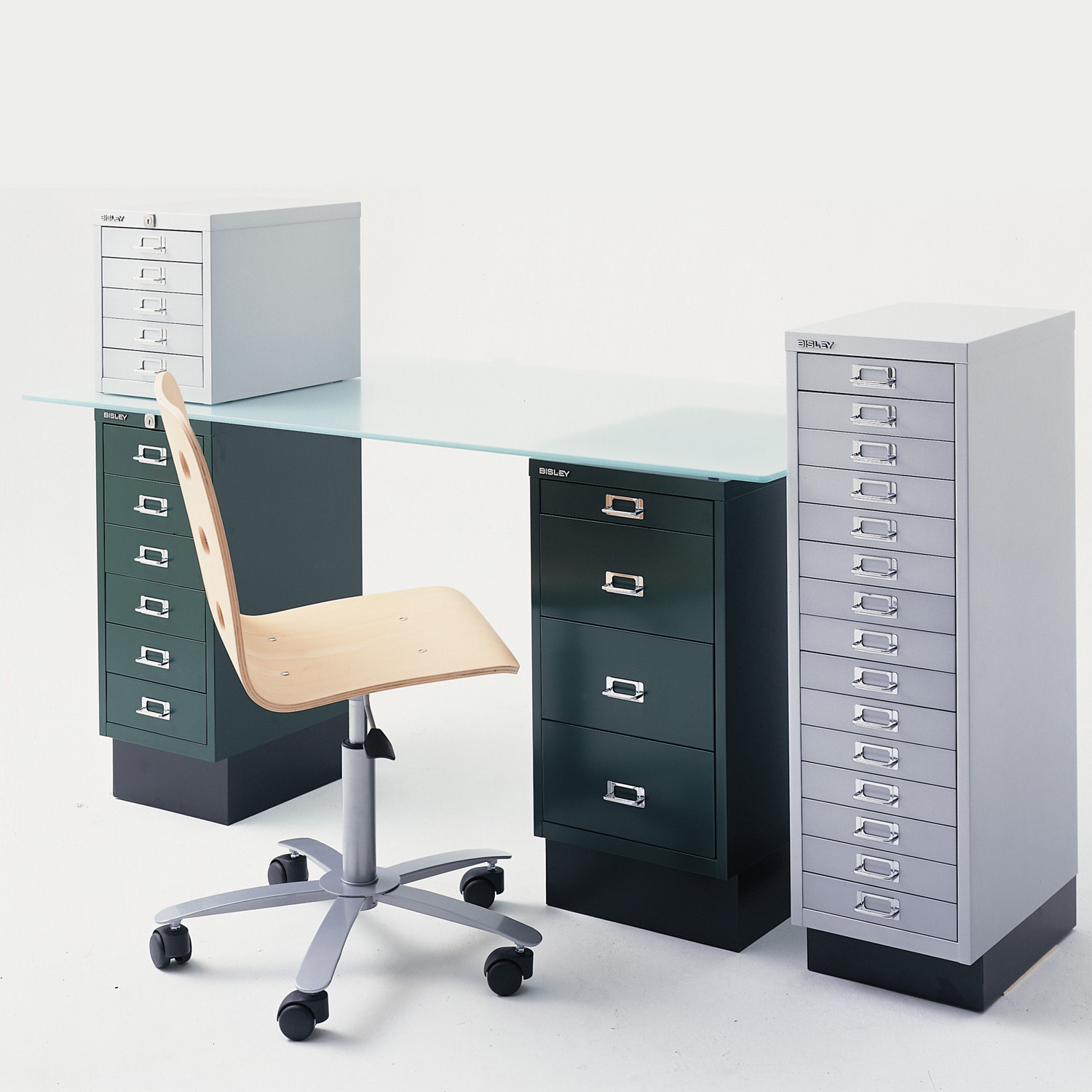 29 Series for top or under desk storage