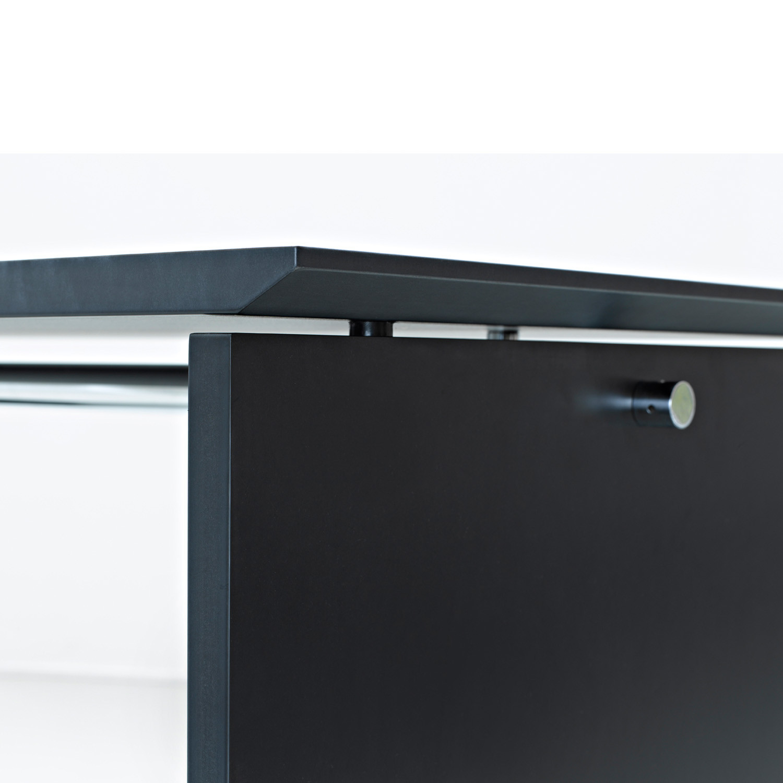 Sharp Modern Bar Table Detail