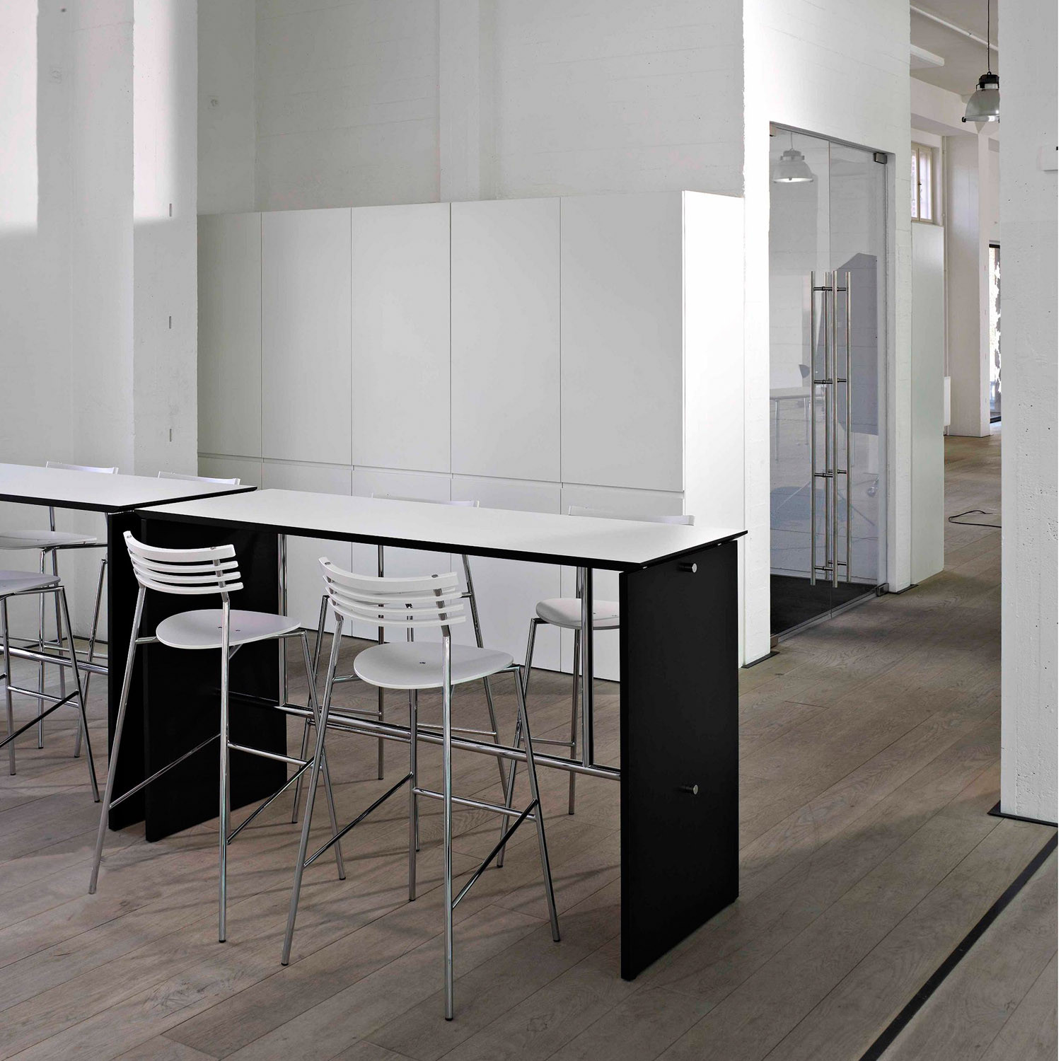 Sharp Bar Table from Randers+Radius