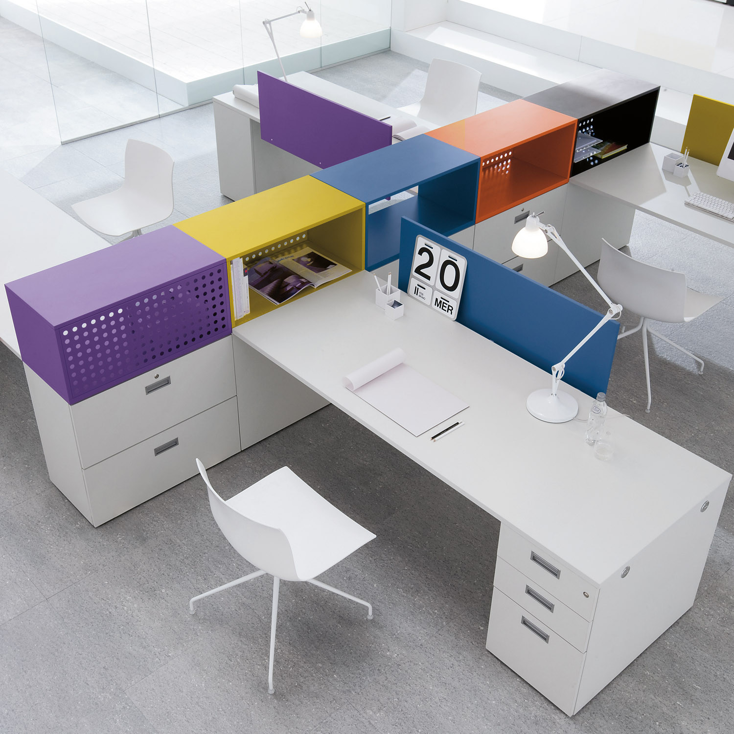 Shi Desk for Open Plan Office