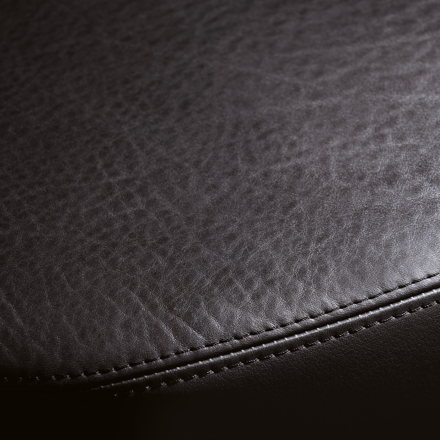 Silent Rush Chair Leather Detail