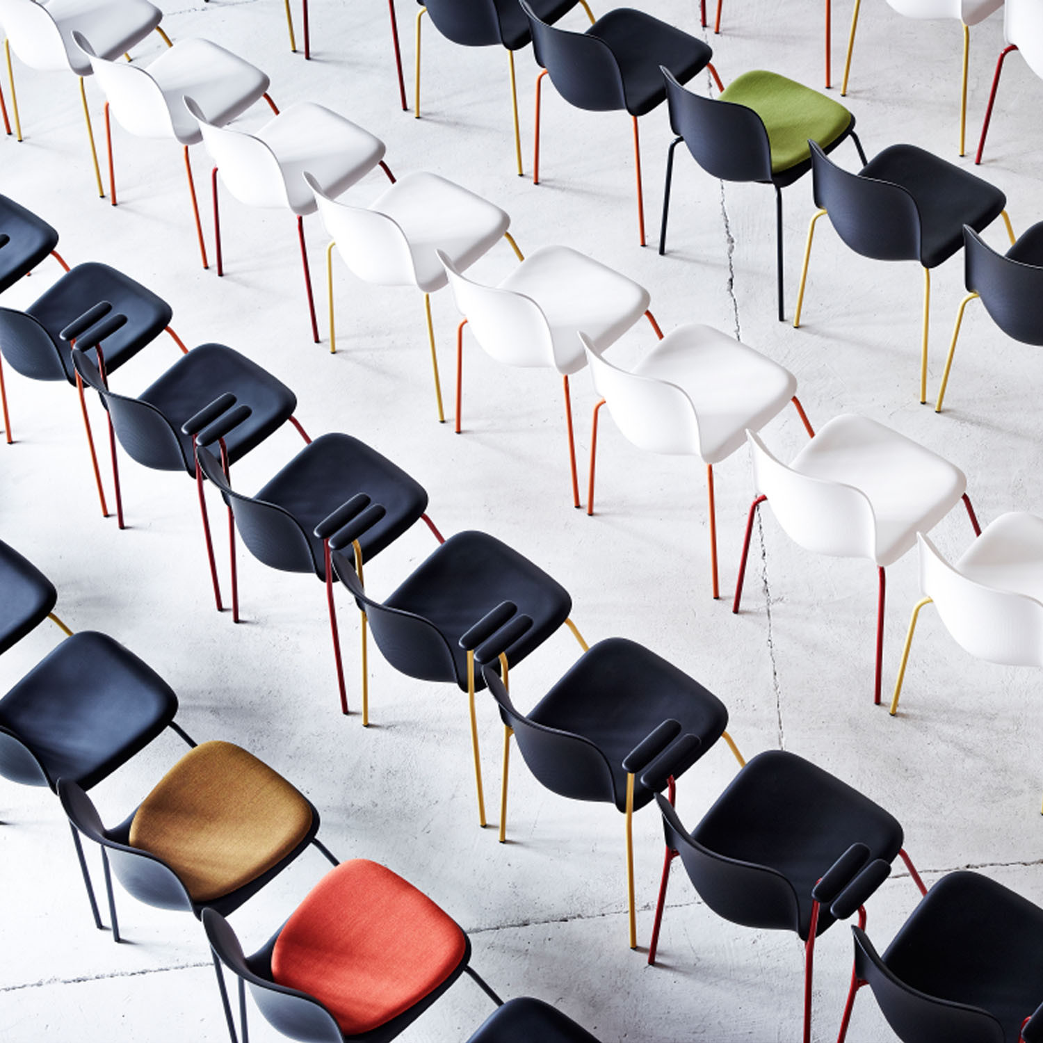 Howe SixE Training and Conference Chairs
