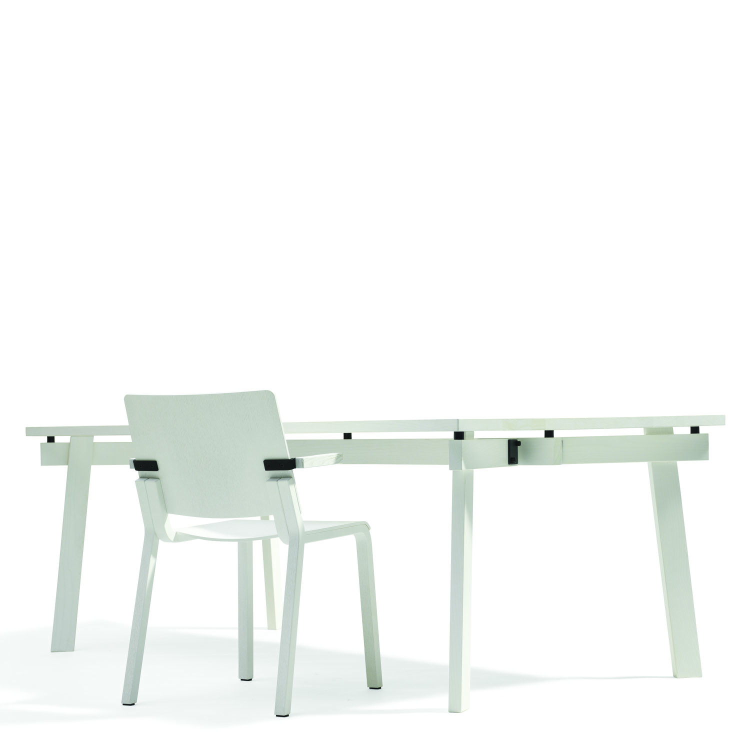 Size Table L905 by Bla Station