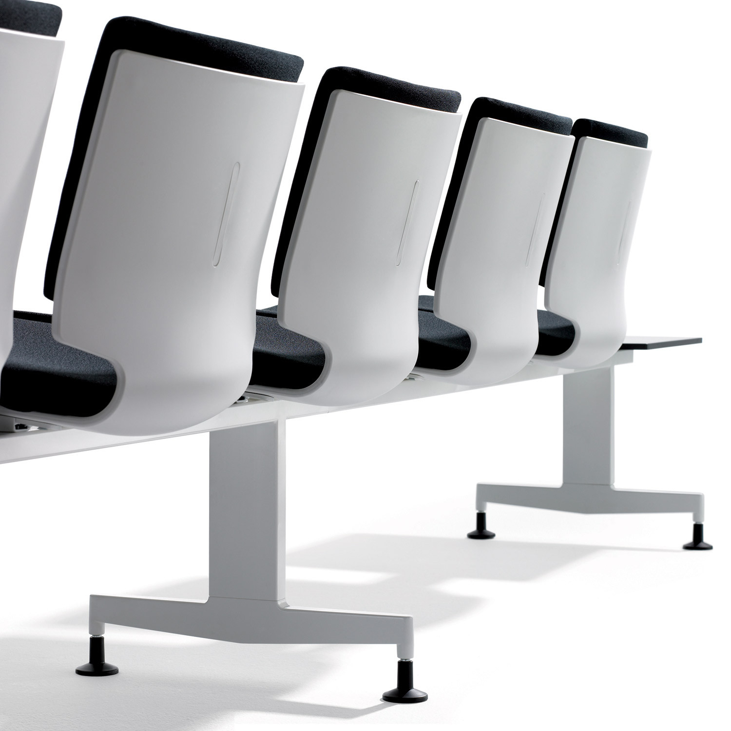 T-Sit Wait Beam Seating With Single Seat Shell