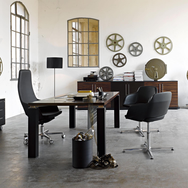 Tao Management Desk