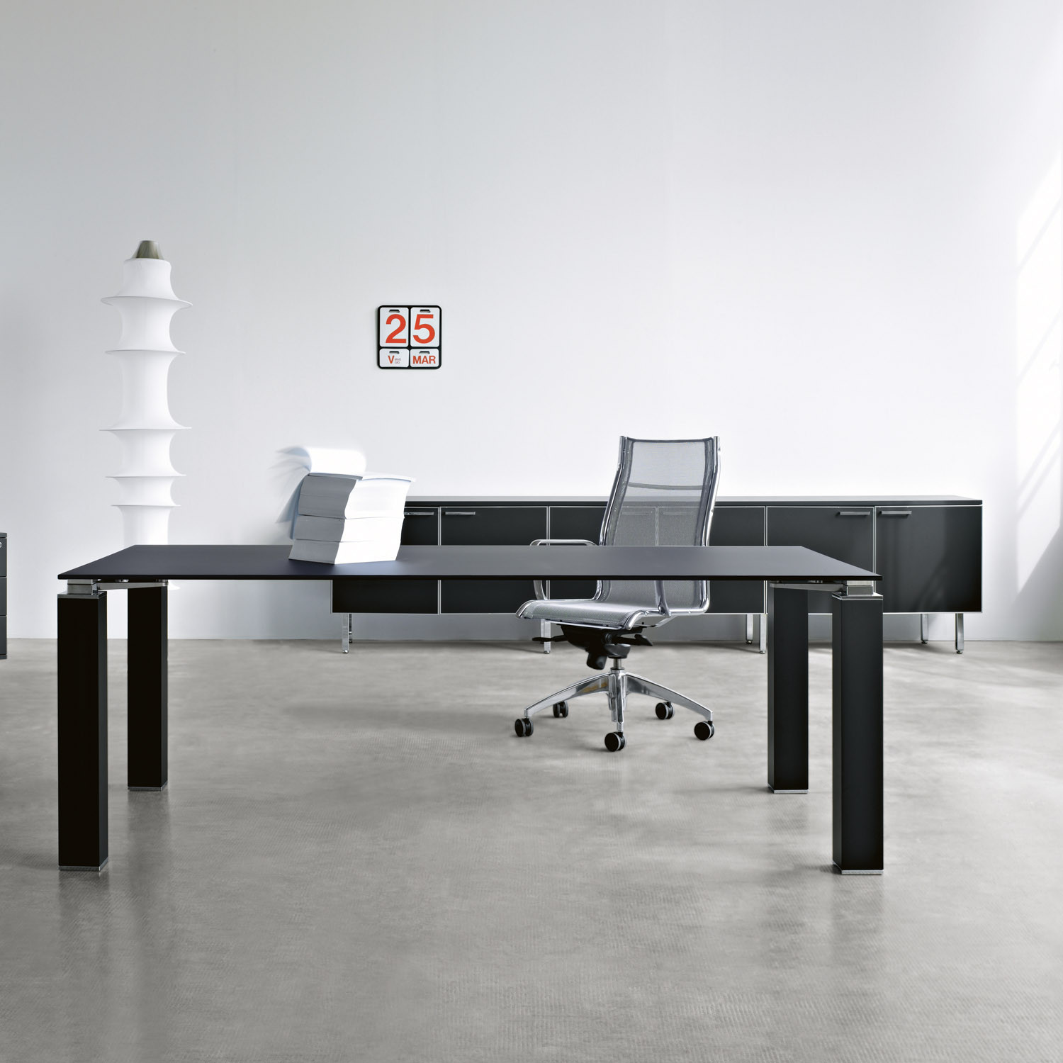 Tao Black Executive Office Desk