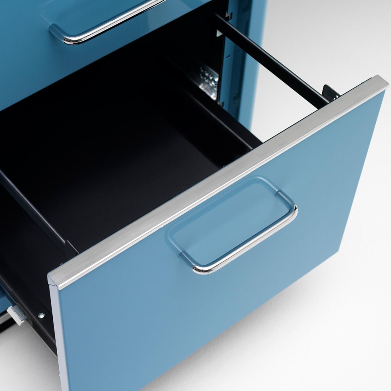 TB 228 Desk Detail
