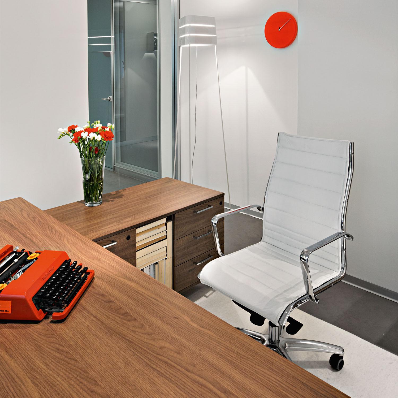 Ten Up Management Executive Desk