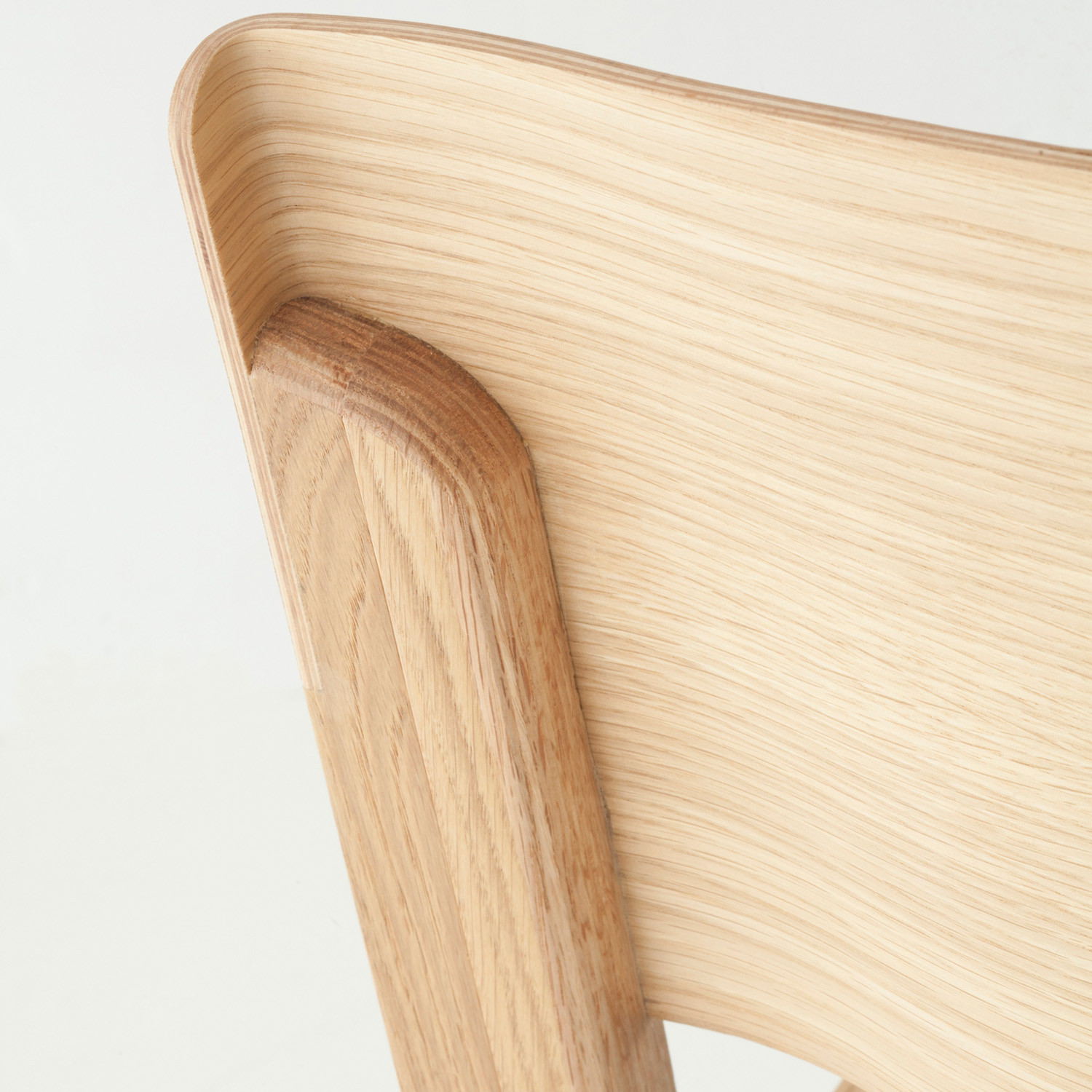 Theo wooden backrest detail