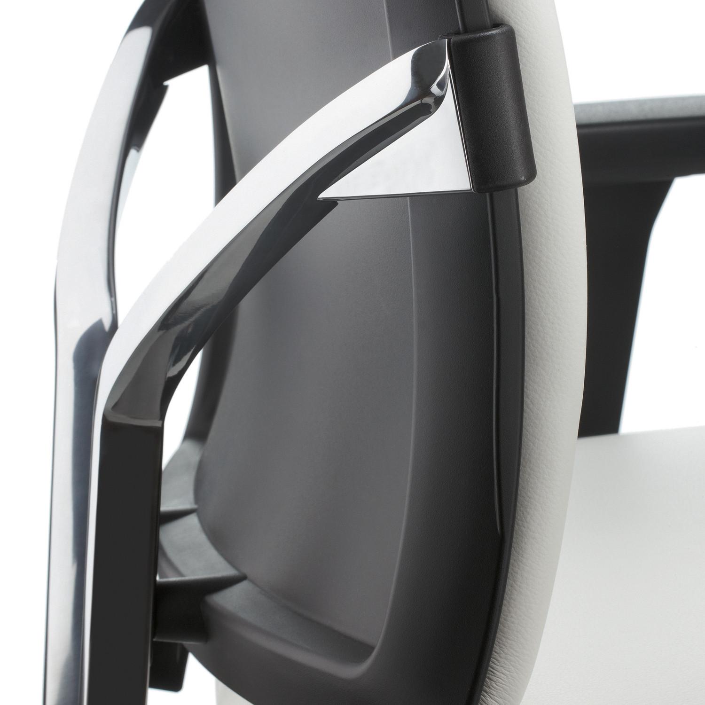 Too Task Chair Ergonomic Back detail