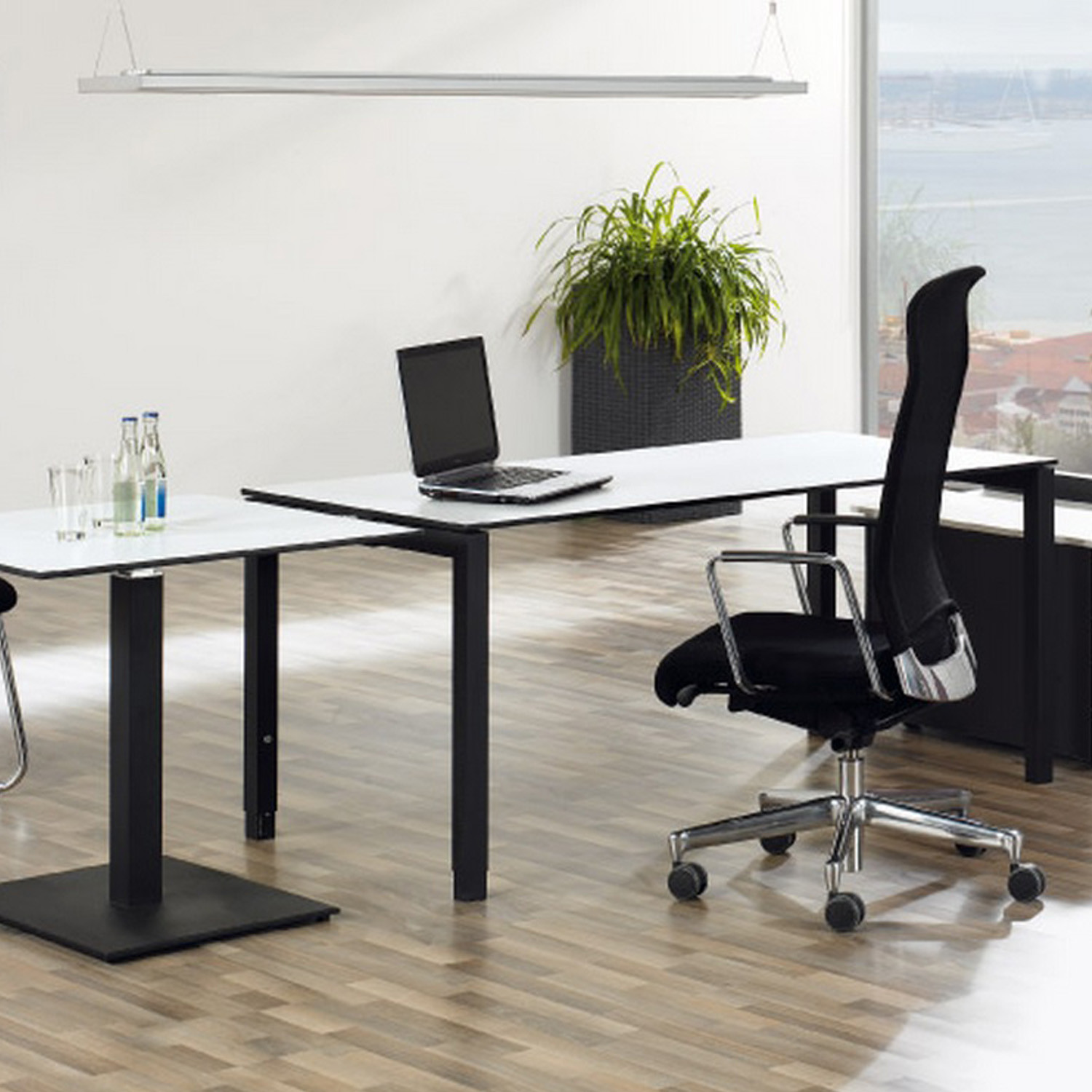 TriASS Desks by Assmann