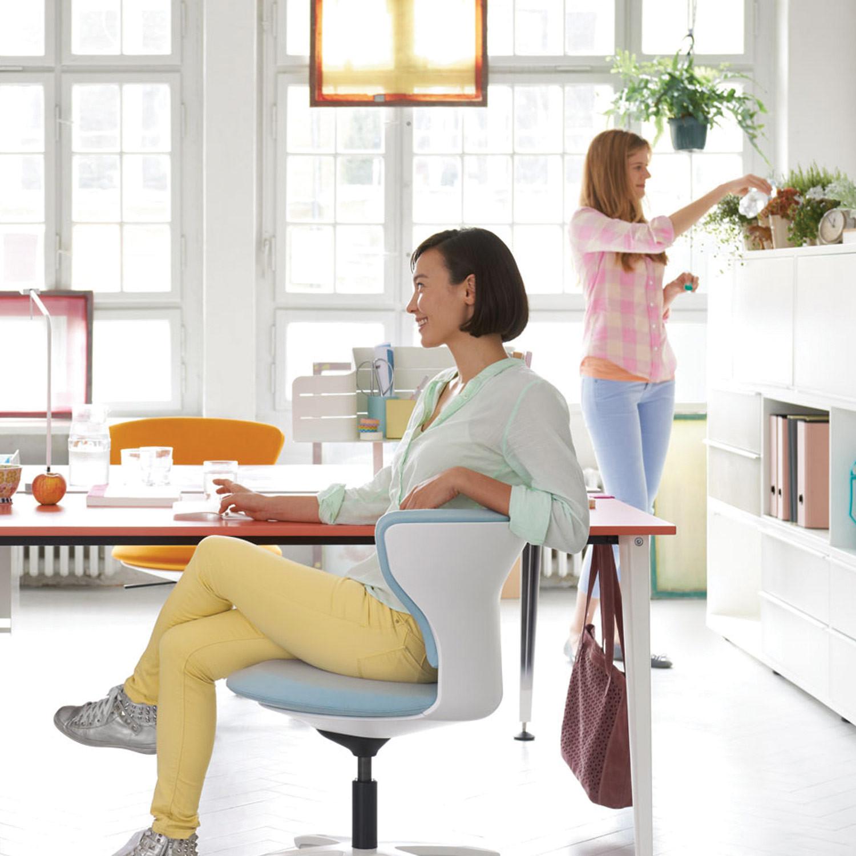 Turn Around Office Swivel Chair
