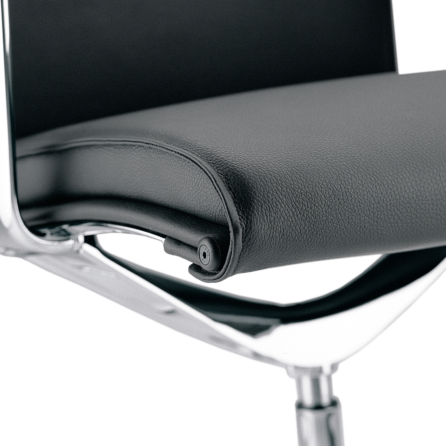 Una Executive Chairs seat detail