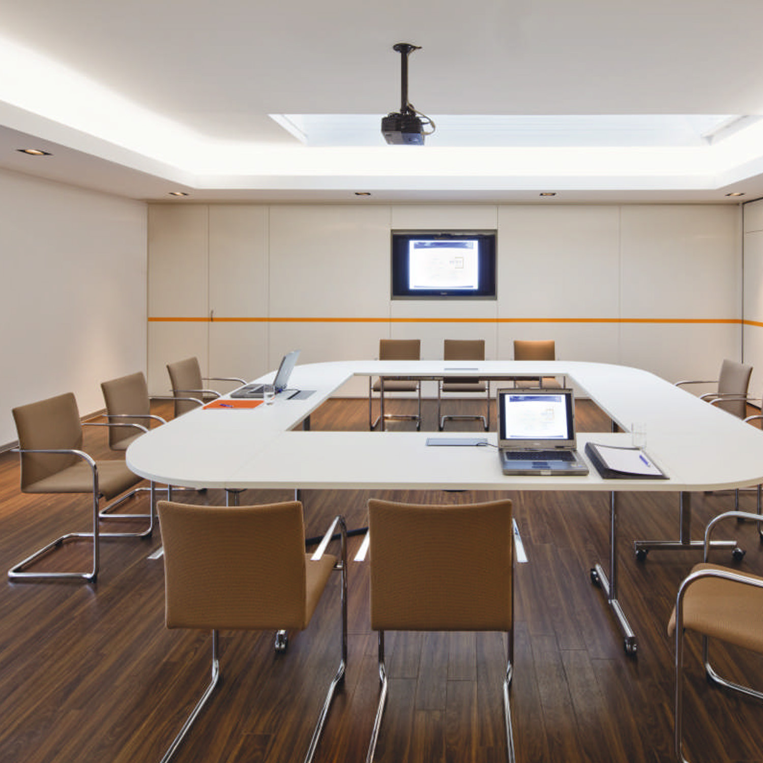 Brunner Verona Meeting Chairs