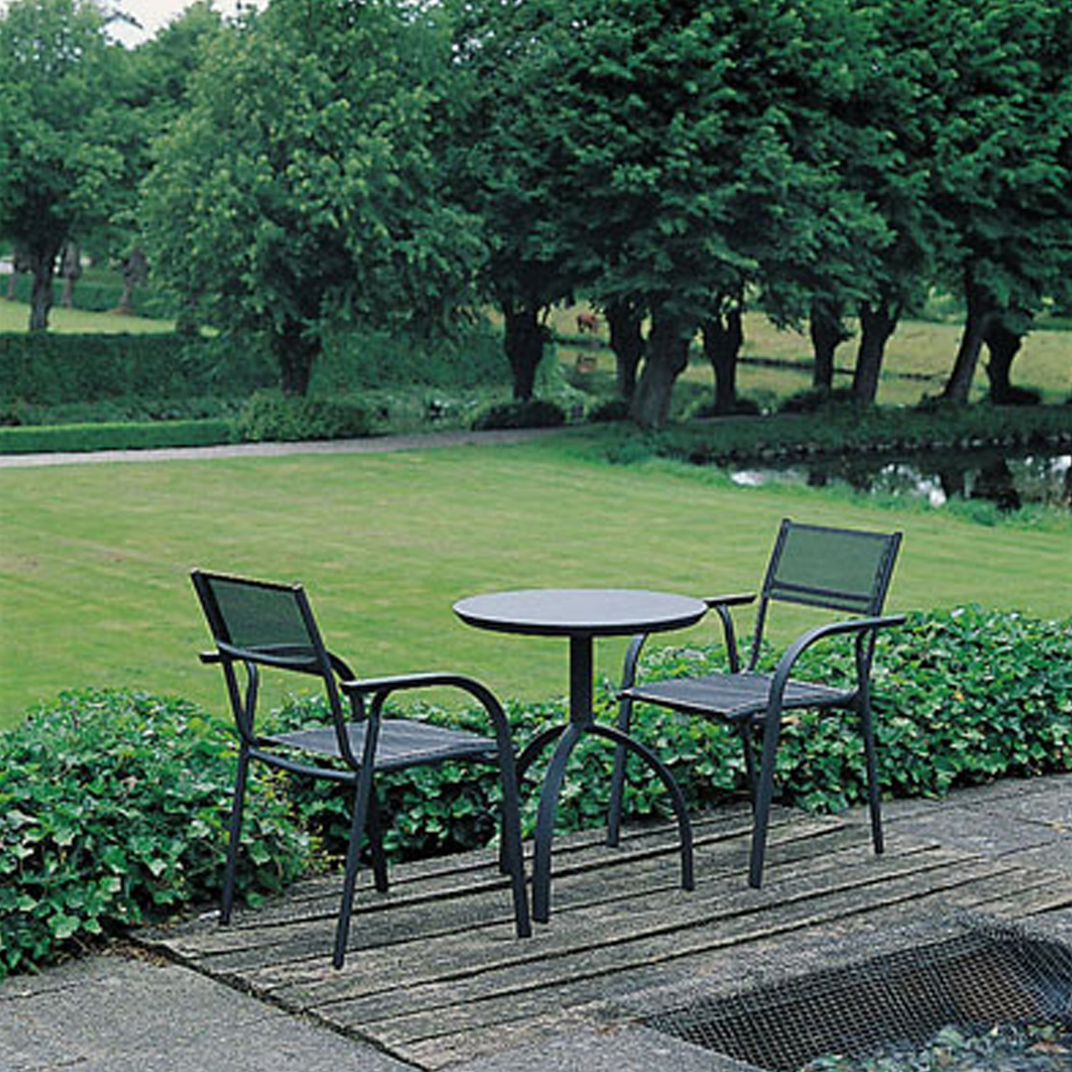 Triline Table and Chairs