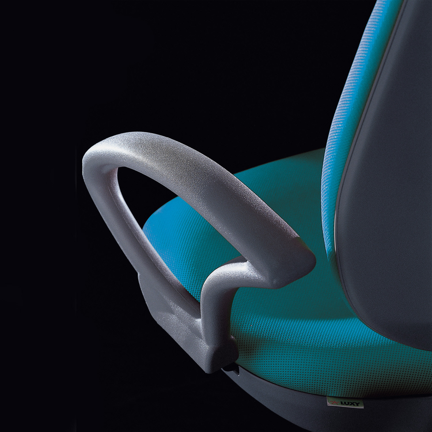 Wing Task Chair by Luxy