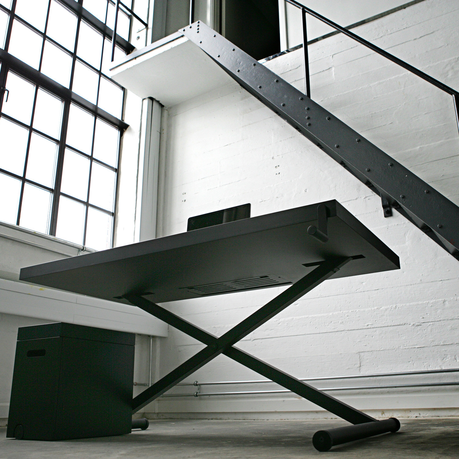 Holmris X-Table Desk