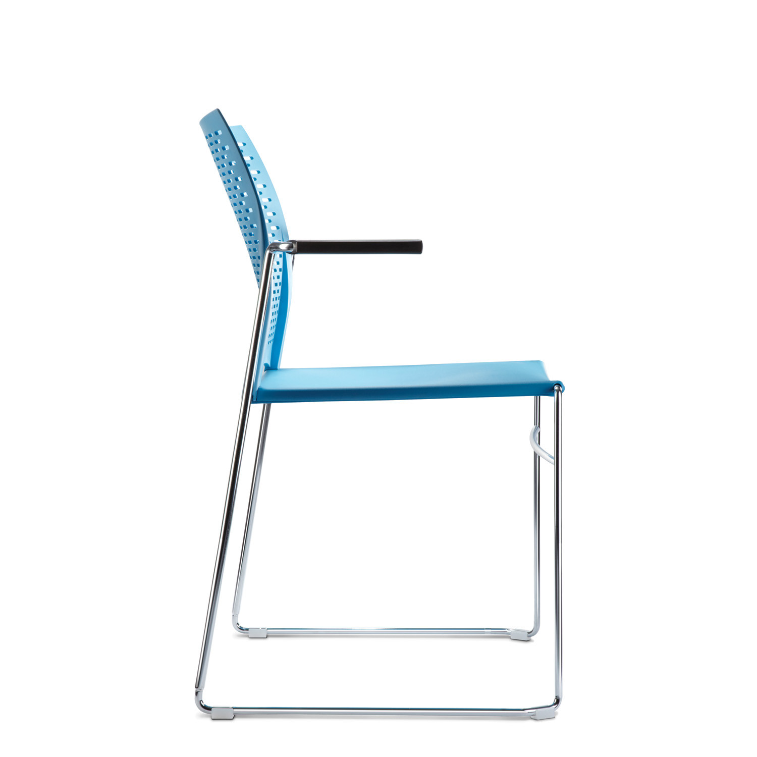 Xpresso Three Armchair Sideview