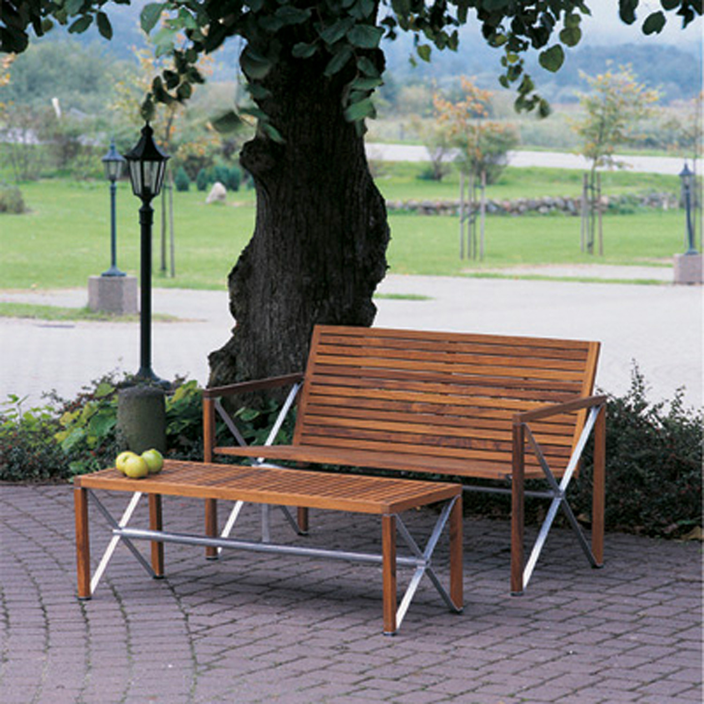 Xylofon Bench by Magnus Olesen