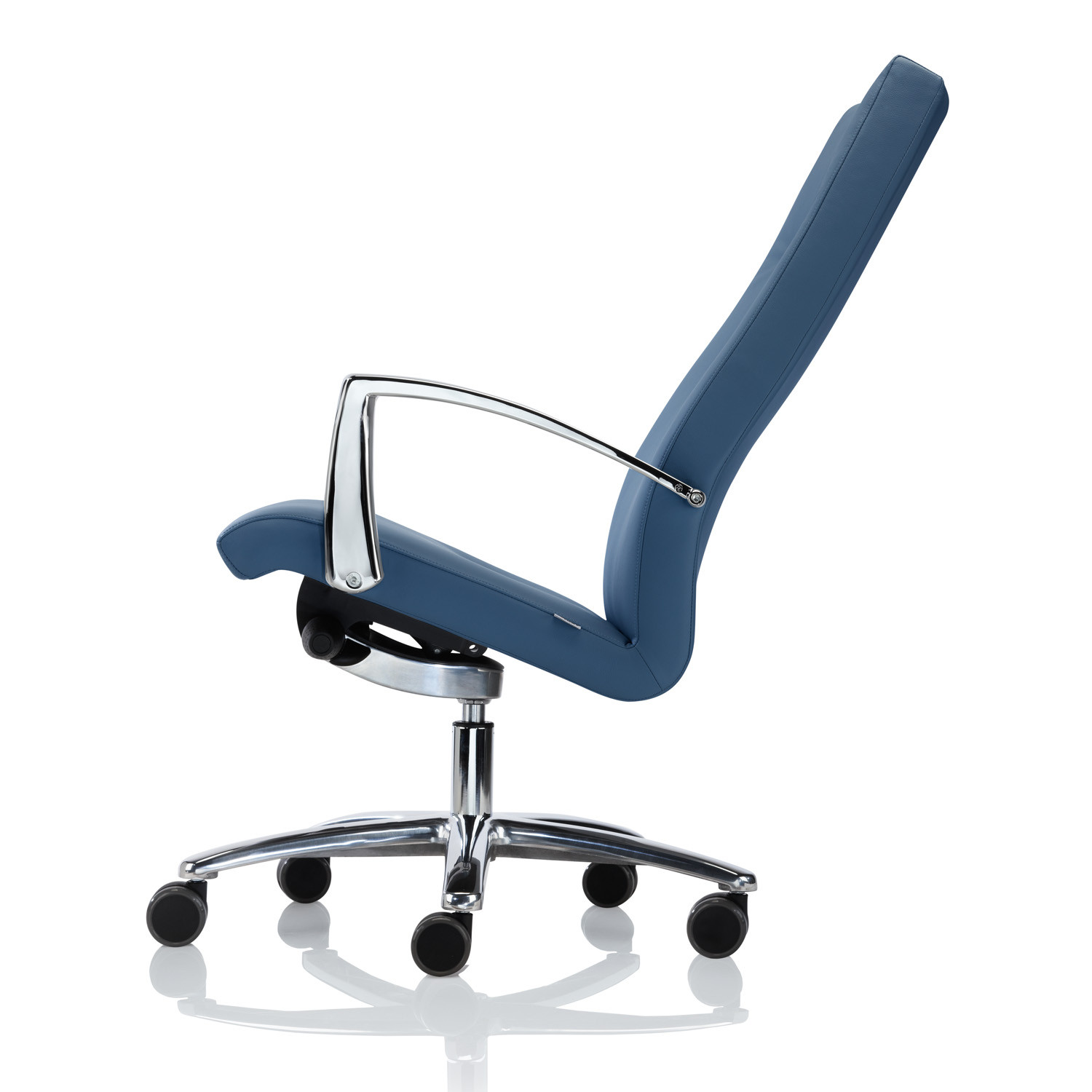 Youster Executive Chair features adjustment mechanisms