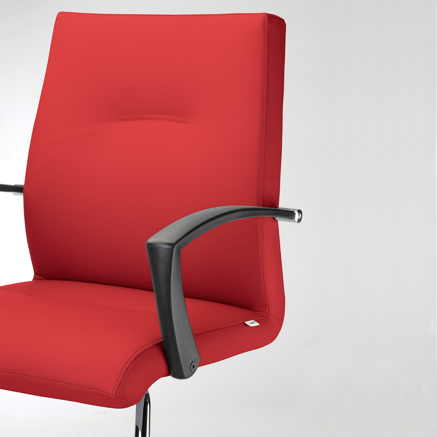 Youster Executive Chair can be upholstered in fabric or leather