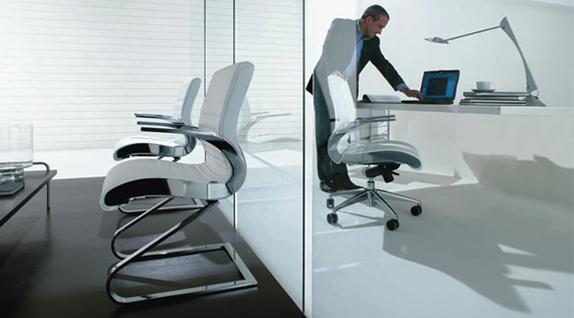 Synchrony Chair by Luxy