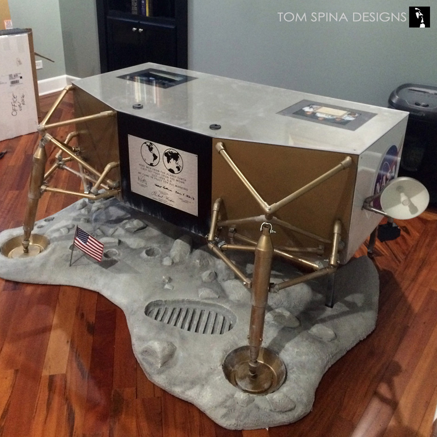 For slightly more sedate offerings from these shores  but no less  beautiful  check out our modern office desks section, featuring beauties  such as Partita ...